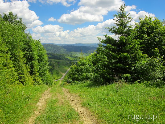 Crossing Beskid Pass